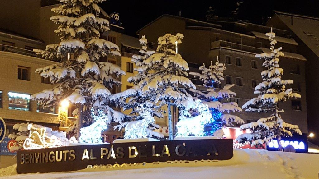 IMMOGRIFO Tarifs de location hiver Pas de la Case en Andorre. Depuis 1972 IMMOGRIFO.COM , votre agence immobilière au Pas de la Case, met à votre service 44 ans d'expérience dans l'immobilier en Andorre. Bonne échelle de prix .