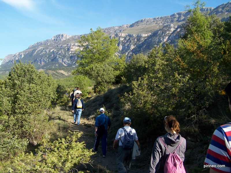 L'objectif est de créer un chemin de randonnée qui unisse les territoires de Bescaran à Auzat en passant par l'Andorre et de coopérer pour une revitalisation du territoire