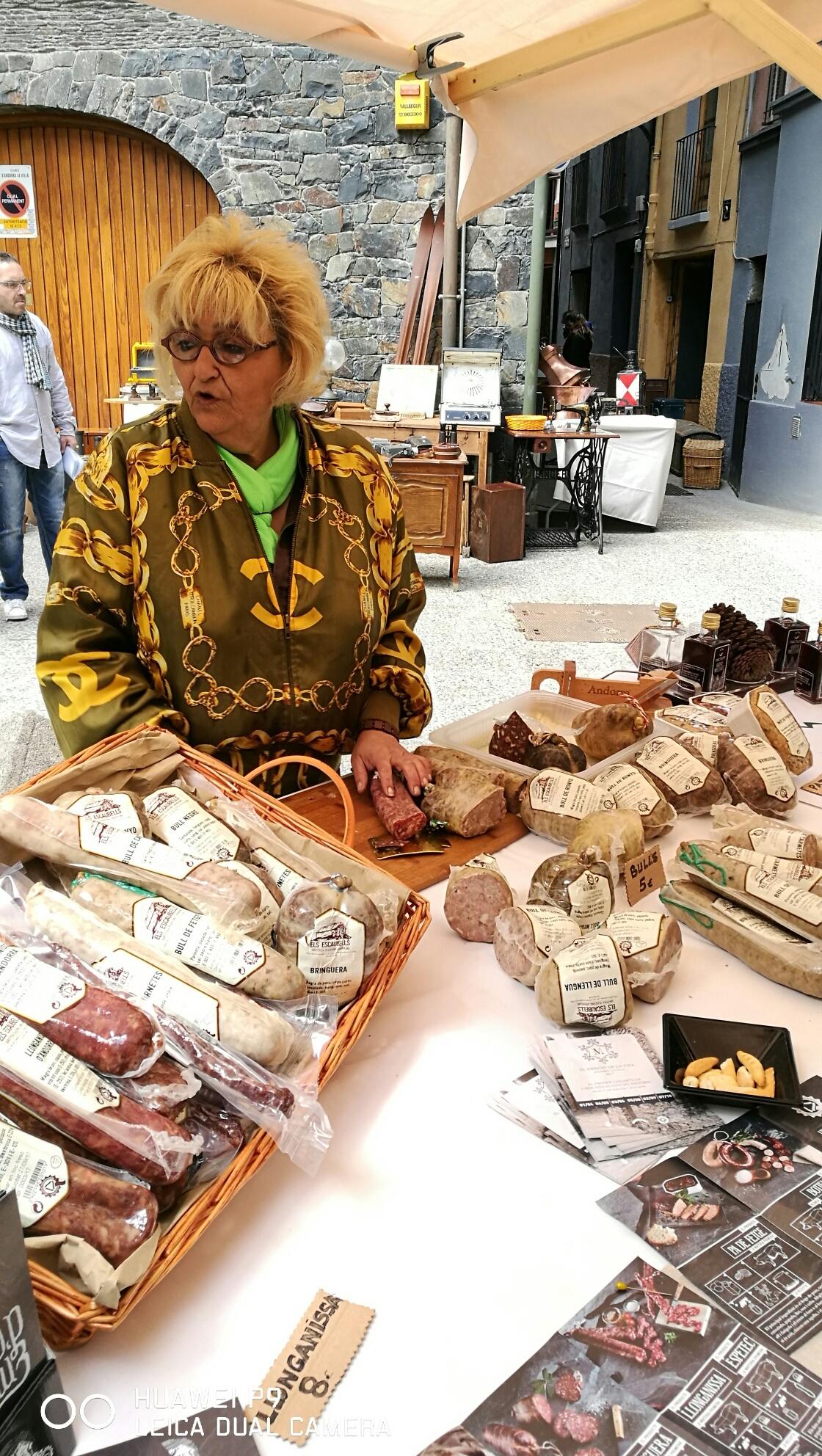 Tour de saveur en Andorre avec ses produits du terroir. Découvrez les arômes et les saveurs authentiques ! .