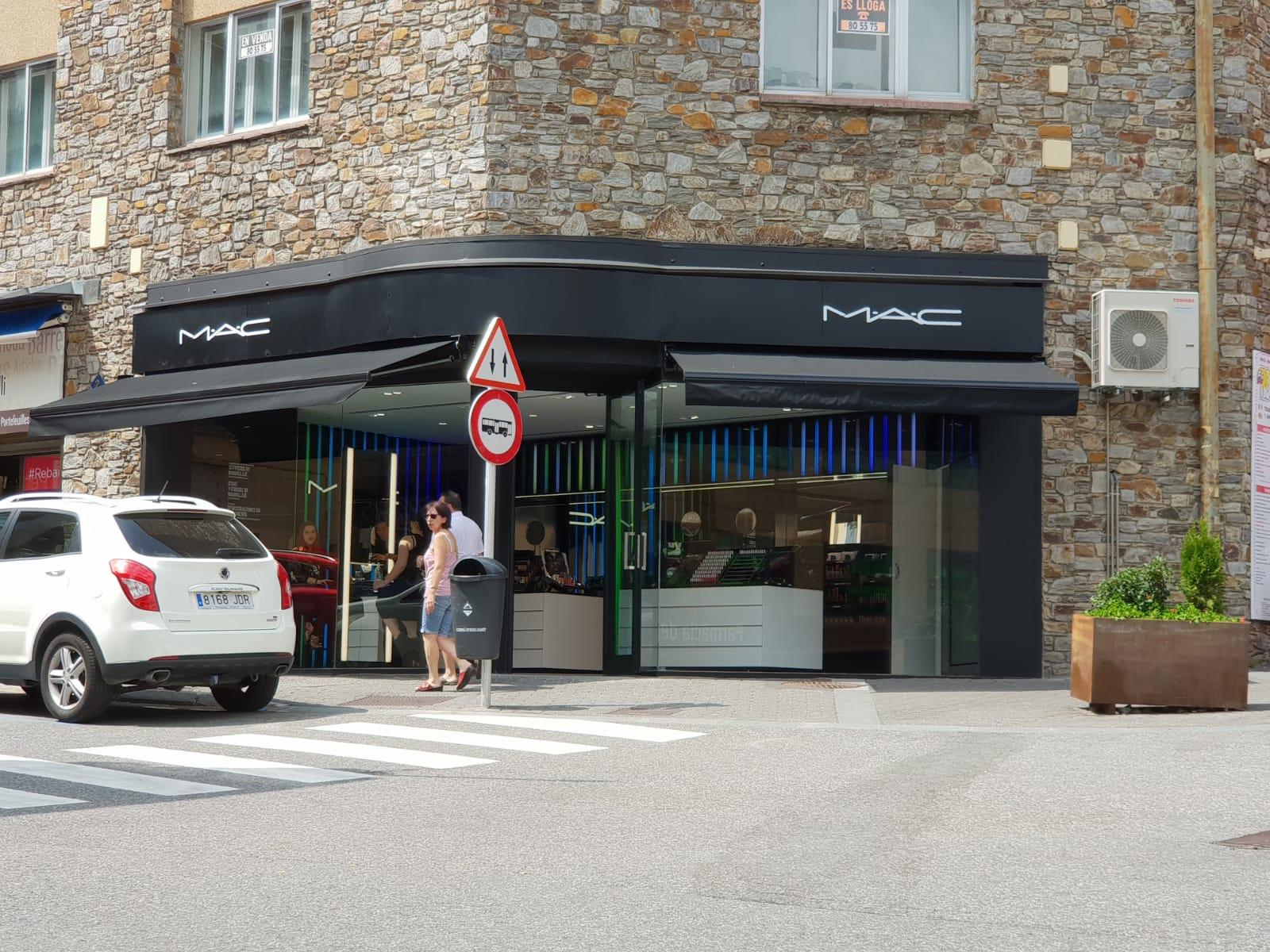 Toujours plus au Pas de la Case Andorre Le maquillage MAC ouvre une boutique !